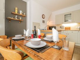 Flat 2 - 9 Rhiw Bank Terrace - North Wales - 951157 - thumbnail photo 9