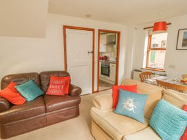 Waterside Cottage - Whitby & North Yorkshire - 951483 - thumbnail photo 5