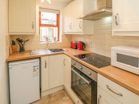 Waterside Cottage - Whitby & North Yorkshire - 951483 - thumbnail photo 7