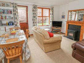 Waterside Cottage - Whitby & North Yorkshire - 951483 - thumbnail photo 3
