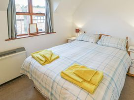 Waterside Cottage - Whitby & North Yorkshire - 951483 - thumbnail photo 9