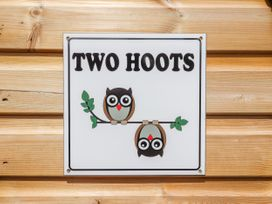 Two Hoots - North Wales - 951605 - thumbnail photo 3