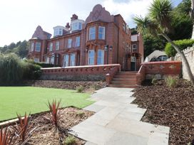 9 bedroom Cottage for rent in Llandudno