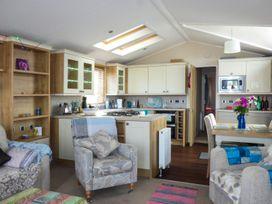 The  Vogue Lodge - Dorset - 951839 - thumbnail photo 3