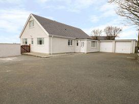 5 bedroom Cottage for rent in Penysarn