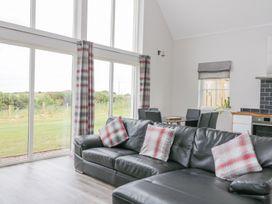 Chance Inn Lodge - Scottish Lowlands - 952068 - thumbnail photo 3