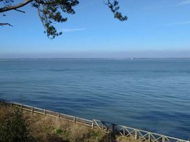 Windy Ridge Cottage - Isle of Wight & Hampshire - 952517 - thumbnail photo 24