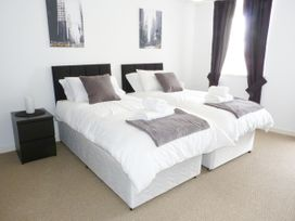 8 Cathedral Street - Scottish Lowlands - 952741 - thumbnail photo 6