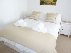 8 Cathedral Street - Scottish Lowlands - 952741 - thumbnail photo 5