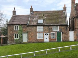 May Cottage - Whitby & North Yorkshire - 953092 - thumbnail photo 1