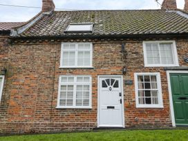 May Cottage - Whitby & North Yorkshire - 953092 - thumbnail photo 2