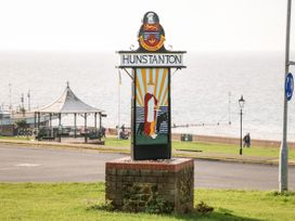 Sea Breeze Apartment - Norfolk - 953299 - thumbnail photo 21