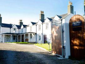 Hen House - Anglesey - 953572 - thumbnail photo 1