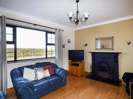 Flynn's Cottage - County Clare - 954385 - thumbnail photo 2