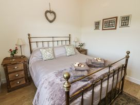 Greenways Log Cabin - Cotswolds - 954443 - thumbnail photo 14