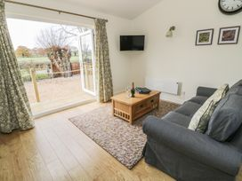 Greenways Log Cabin - Cotswolds - 954443 - thumbnail photo 6
