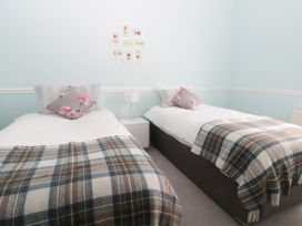 22 Trafalgar Crescent - Whitby & North Yorkshire - 954896 - thumbnail photo 12