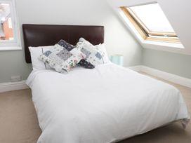 22 Trafalgar Crescent - Whitby & North Yorkshire - 954896 - thumbnail photo 14