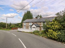 3 bedroom Cottage for rent in Ammanford