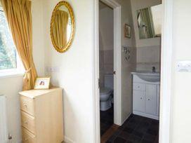 Lodge 22, Waterside Park, Cornwall - Cornwall - 954965 - thumbnail photo 10
