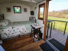 The Shire Hut - North Wales - 955259 - thumbnail photo 5