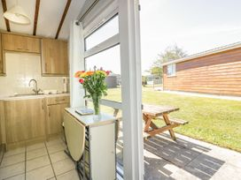 Chalet 212 - Cornwall - 955701 - thumbnail photo 3