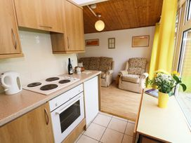 Chalet H1 - Cornwall - 955708 - thumbnail photo 3