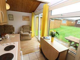 Chalet H1 - Cornwall - 955708 - thumbnail photo 4