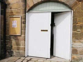 Shirian Apartment - Whitby & North Yorkshire - 955733 - thumbnail photo 12