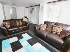 Shirian Apartment - Whitby & North Yorkshire - 955733 - thumbnail photo 2