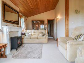 Oak Lodge - South Wales - 956011 - thumbnail photo 4