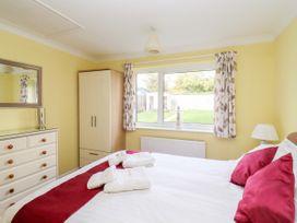 Ferndown Cottage - Suffolk & Essex - 956459 - thumbnail photo 16