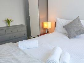 Seaview Apartment - Devon - 958086 - thumbnail photo 12