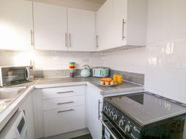 Seaview Apartment - Devon - 958086 - thumbnail photo 9
