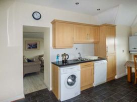 Flat 11 - Anglesey - 958252 - thumbnail photo 5