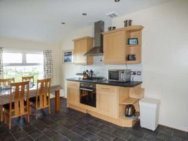 Flat 11 - Anglesey - 958252 - thumbnail photo 6