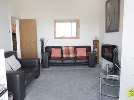 1 Cae Glas Crescent - North Wales - 958407 - thumbnail photo 4
