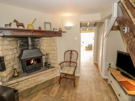Bumble Cottage - Cotswolds - 958537 - thumbnail photo 8