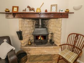 Bumble Cottage - Cotswolds - 958537 - thumbnail photo 9