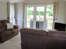 19 Wentworth Drive - Central England - 958857 - thumbnail photo 4