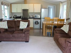 19 Wentworth Drive - Central England - 958857 - thumbnail photo 6