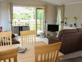 19 Wentworth Drive - Central England - 958857 - thumbnail photo 7