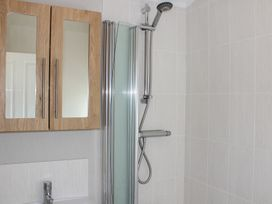 19 Wentworth Drive - Central England - 958857 - thumbnail photo 14