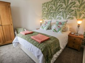 Manor Heath Apartment 1 - Whitby & North Yorkshire - 958912 - thumbnail photo 16