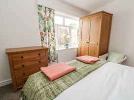 Manor Heath Apartment 1 - Whitby & North Yorkshire - 958912 - thumbnail photo 17