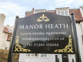 Manor Heath Apartment 1 - Whitby & North Yorkshire - 958912 - thumbnail photo 2