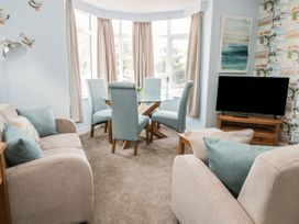 Manor Heath Apartment 2 - Whitby & North Yorkshire - 958913 - thumbnail photo 8