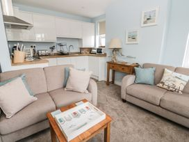 Manor Heath Apartment 2 - Whitby & North Yorkshire - 958913 - thumbnail photo 12