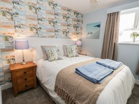 Manor Heath Apartment 2 - Whitby & North Yorkshire - 958913 - thumbnail photo 15