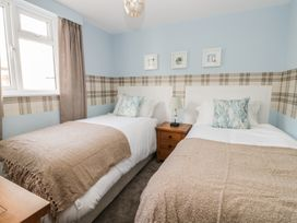 Manor Heath Apartment 2 - Whitby & North Yorkshire - 958913 - thumbnail photo 18